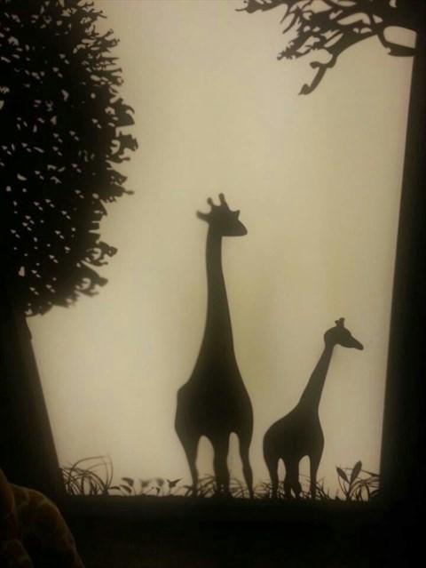 食评 动物园咖啡 zoo coffee  楼梯的旁边还有个将近2层高的长颈鹿