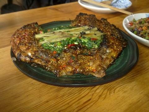 香茅草烤罗非鱼-朝阳区的一坐一忘丽江主题餐厅)挑食的小白兔150字图片